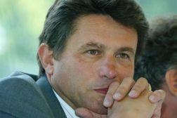 Henri de La Croix de Castries, Presidente de AXA (Club Bilderberg)